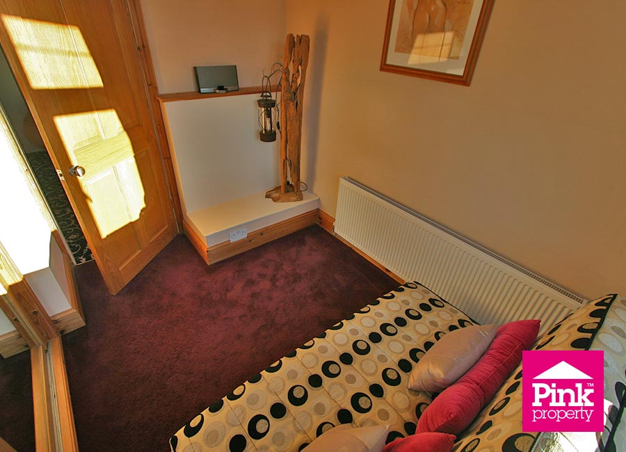 4 bed house to rent in Corby Park, North Ferriby 15