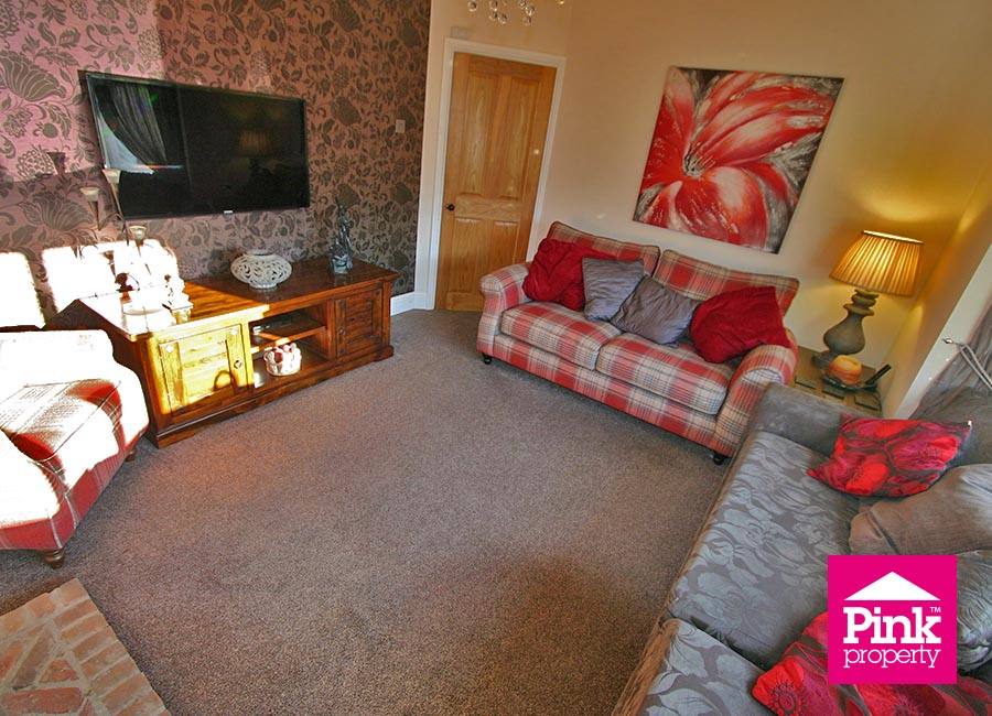 4 bed house to rent in Corby Park, North Ferriby 5