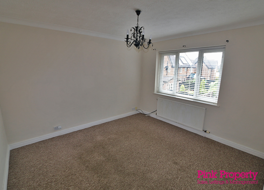 2 bed flat to rent in Crowther Court, Swanland 3
