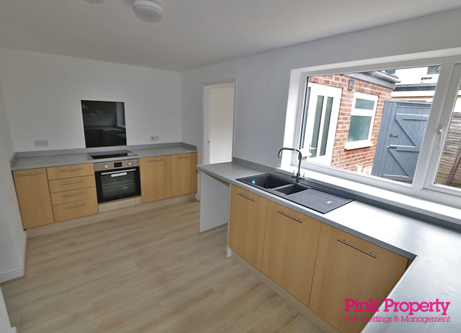 House to rent in Wilton Avenue, Holland Street 6