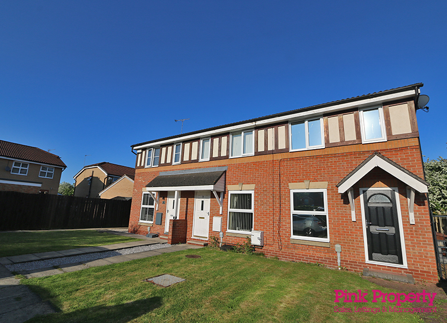 2 bed house to rent in Troon Court, Hull, HU8