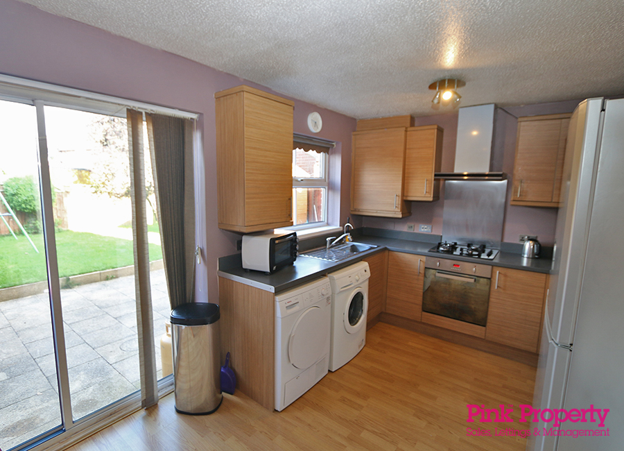 3 bed house to rent in Lorenzos Way, Hull 2