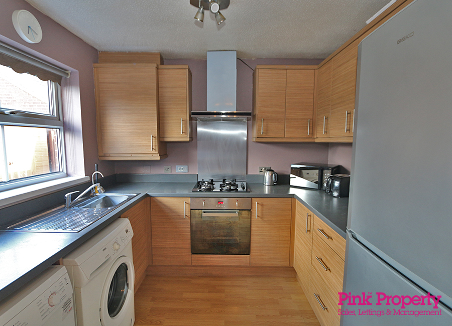 3 bed house to rent in Lorenzos Way, Hull 3