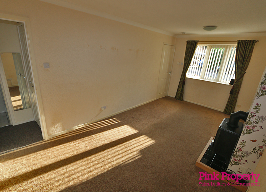 2 bed bungalow to rent in Welwyn Park Road 2