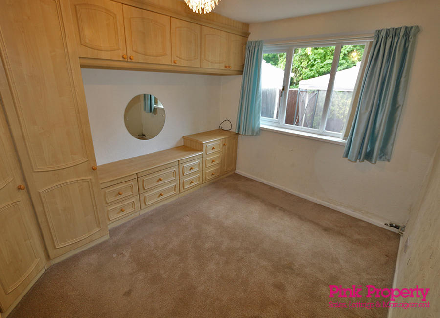 2 bed bungalow to rent in Welwyn Park Road 4
