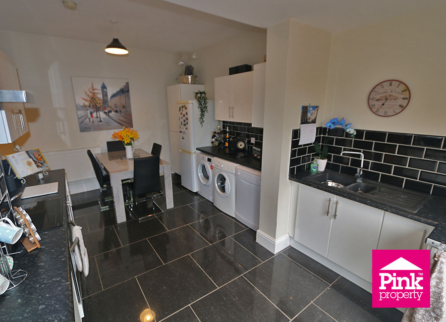3 bed house for sale in Beckside 2