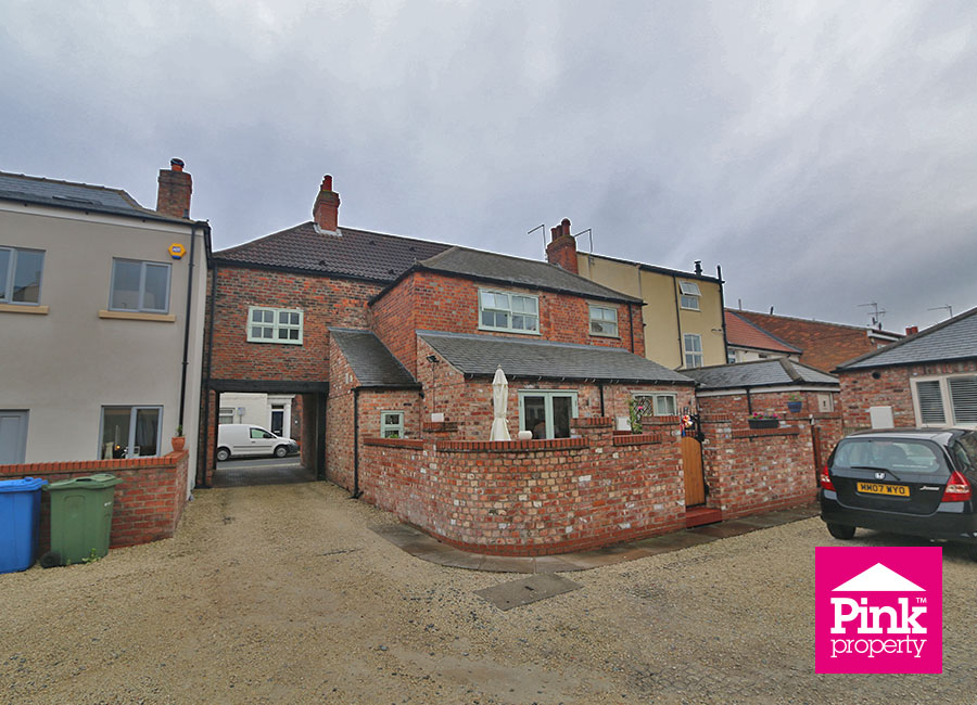 3 bed house for sale in Beckside 4