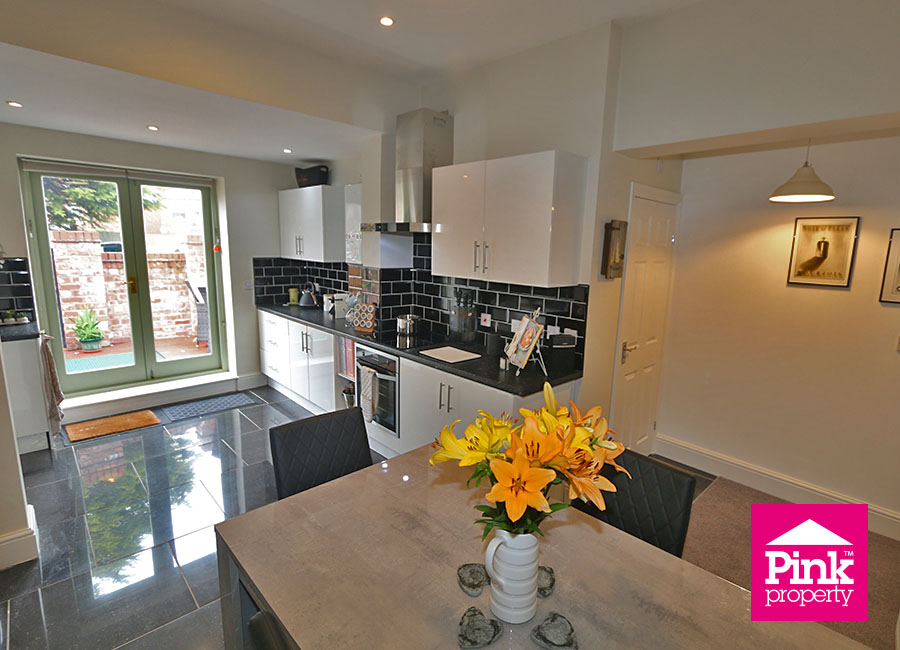 3 bed house for sale in Beckside 8