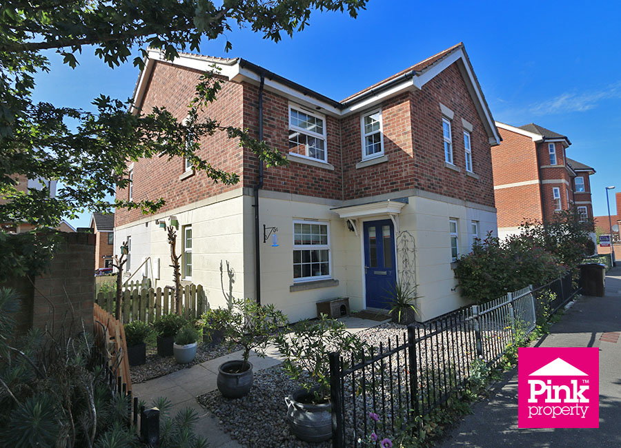 2 bed house for sale in Millias Close, Brough, HU15 10